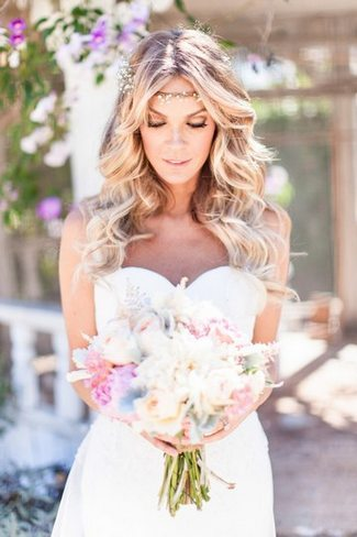 Romantic & Rustic Garden Wedding in California Wedding Look (1)