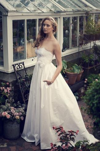 Elbeth Gillis 2014 Bridal Collection {Exclusive Premiere} | Aurora