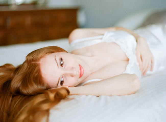 Delicately Intimate Boudoir Maternity Shoot by Michael and Carina Photography  (16)