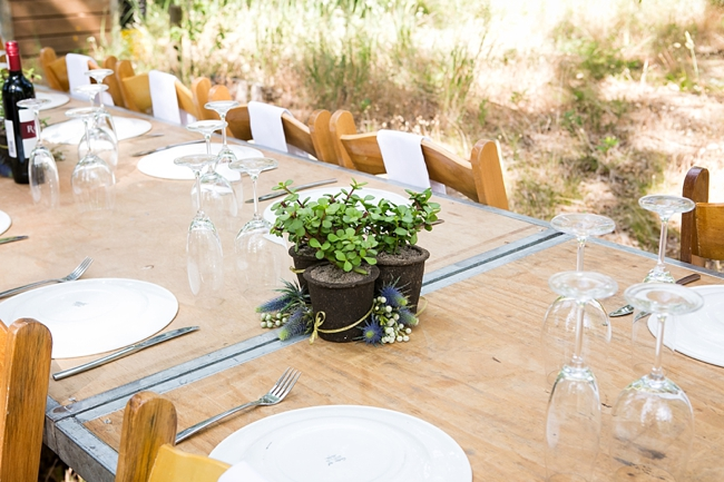 Tablescape :: Eco Friendly Wedding Decor:: Outdoor Forest Wedding :: Ruby Jean Photography :: See more on Confetti Daydreams Wedding Blog