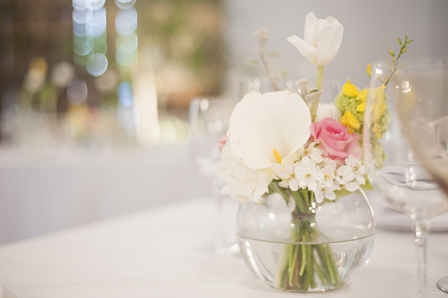 Floral Centerpiece :; Pale Yellow, White & Coral Winelands Destination Wedding (South Africa) :: Joanne Markland Photography :: ConfettiDaydreams.com Wedding Blog