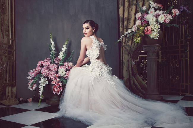 Unbelievable Backless Wedding Dresses for 2014 (4)