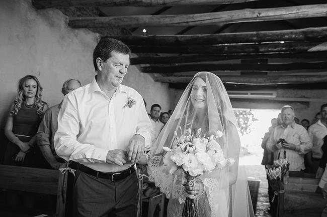 // Vintage Elegance Neutral South African Wedding //Lauren Kriedemann photography // via www.ConfettiDaydreams.com //