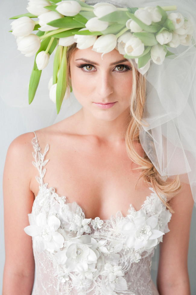 Chic Modern Bride White Tulips - St Photography (2)