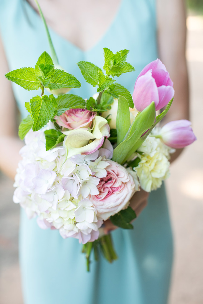 Mint Bridesmaid Dresses with Bouquets // Adene Photography // Anli Wahl Flowers