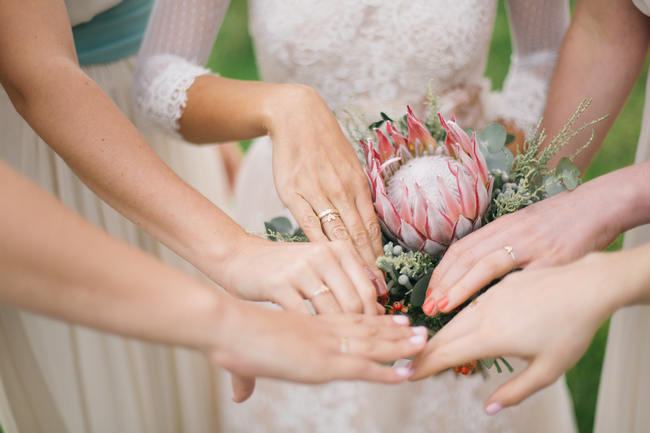 Bridesmaid Photo idea // Earthy Farmstyle Rustic Wedding // Jenni Elizabeth Photography