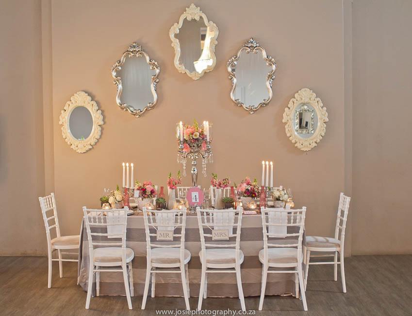 Classic Peach Wedding Ideas // That Little Shop // Josie Photography // Hunt House Cakes