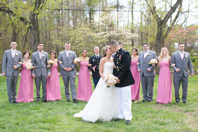 Fun Bridal Party Photographs // Beautiful Rustic Elegance Wedding in Blush Cream Gold // Carly Fuller Photography // Click for more details on www.ConfettiDaydreams.com