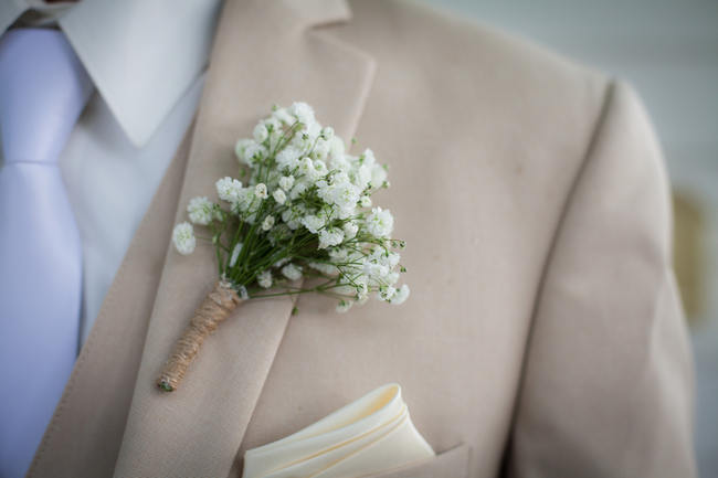 Babys breath bout // DIY Babys Breath Country Wedding // Stephanie Dishman Photography