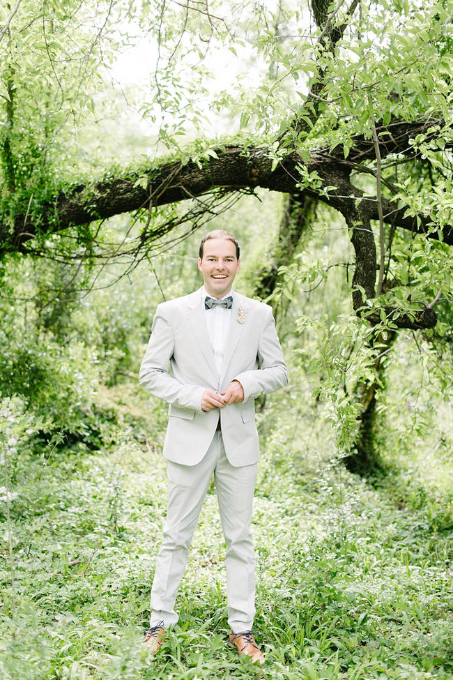 Grey grooms attire with bowtie // Mint Coral South African Wedding // Louise Vorster Photography