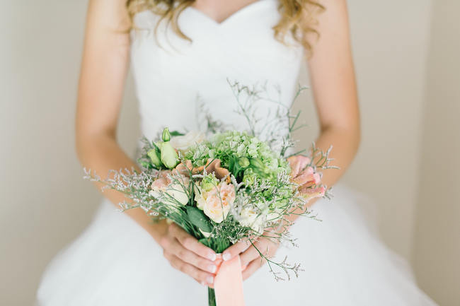 South african bridal bouquet // Mint Coral South African Wedding // Louise Vorster Photography