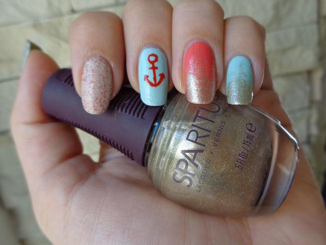 DIY Nautical Manicure (2)