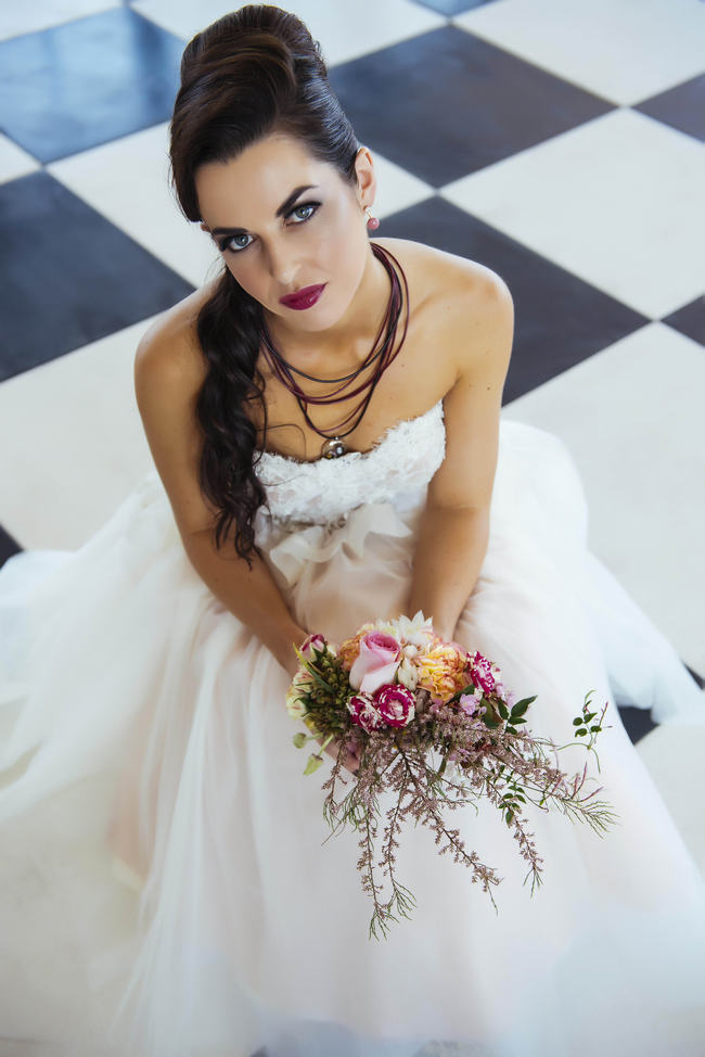 Retro Wedding Hairstyle // Rockabilly Wedding Ideas // Claire Thompson photography