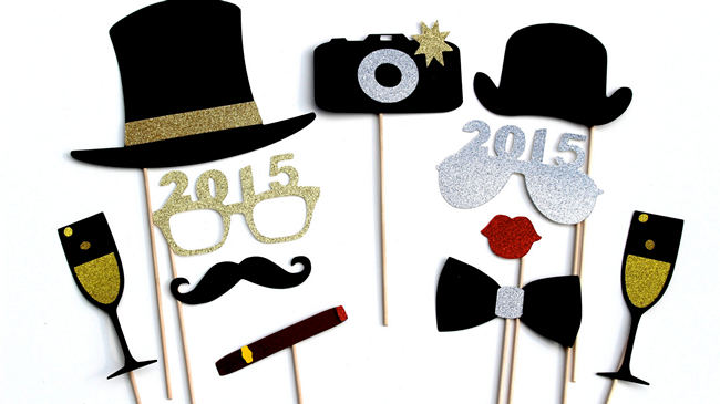 DIY New Years Party Ideas Gold (12)