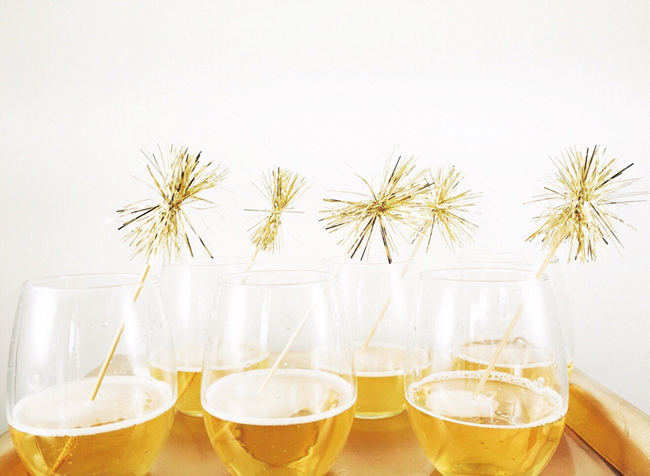 DIY New Years Party Ideas Gold (17)