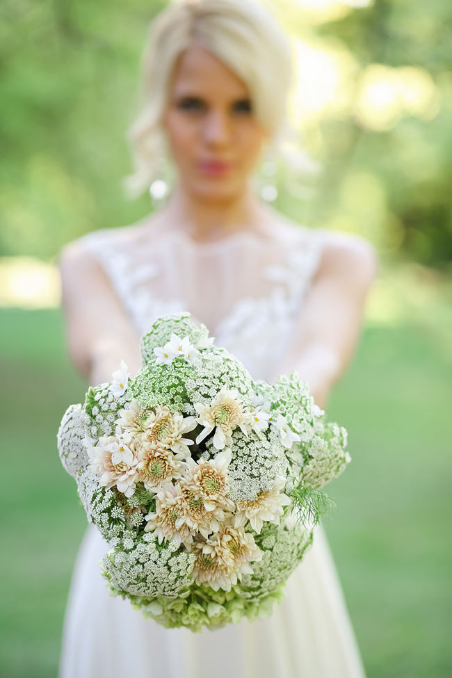 Cream, white and green bridal bouquet with queen annes lace and chrysanthemums. // Nikki Meyer Photography