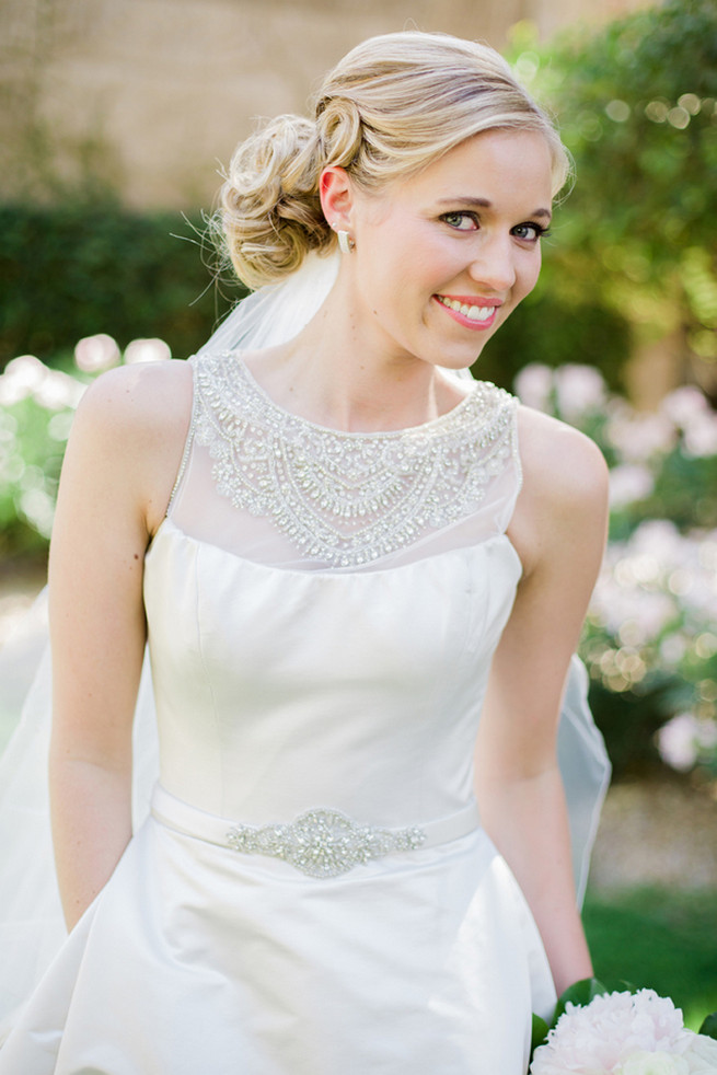 Love the statement neck on her Victor Harper gown - so perfect for a subtle but sparkly 1920s wedding soiree! Glamorous Gatsby Inspired Wedding by Elyse Hall Photography