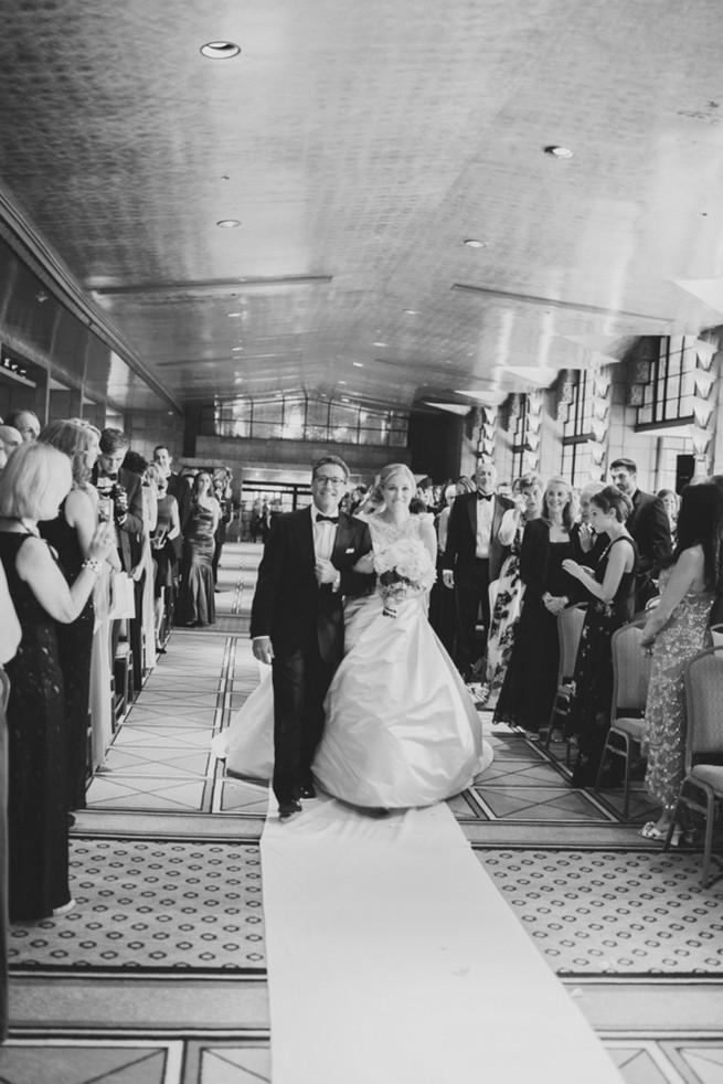 Glamorous Gatsby Inspired Wedding by Elyse Hall Photography - Confetti Daydreams Wedding Blog