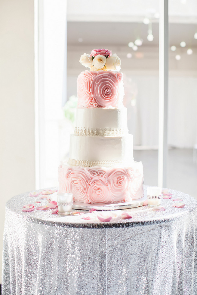 pink white and silver wedding cakes pink and silver wedding 18601