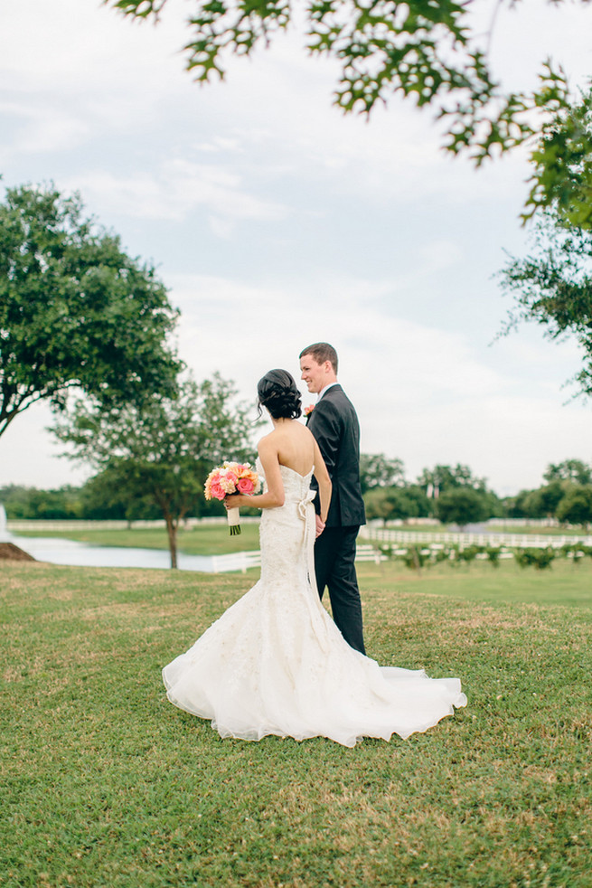Summer couple photographs. Cute Coral Gray wedding at Briscoe Manor, Houston, by Luke and Cat Photography