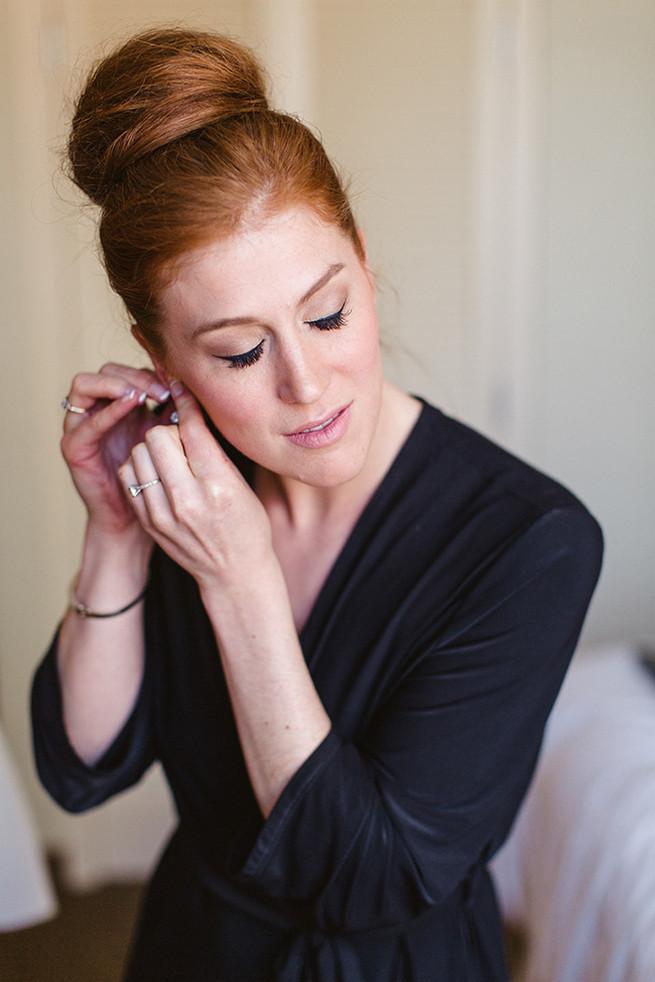 Bridal Bun hairstyle - so chic! / Alyssa Kristin's Elegant Milwaukee Wedding Valo Photography