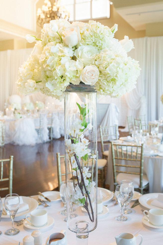 Vintage-Inspired White Glamorous Wedding Wedding (38)