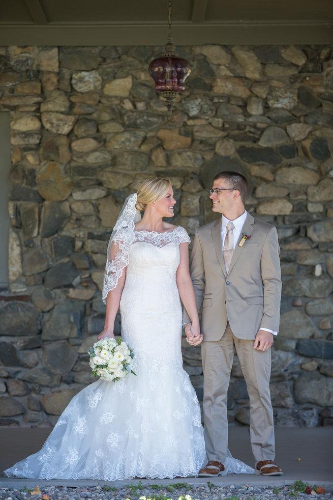 Couple photography  - Beautiful Burgundy and Tan Wedding - Molinski Photo