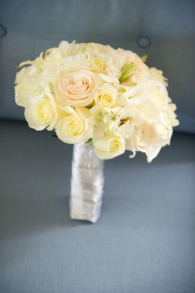 Classic cream rose bouquet / Blush and Gold Romantic, Glitzy Wedding - Andi Diamond Photography