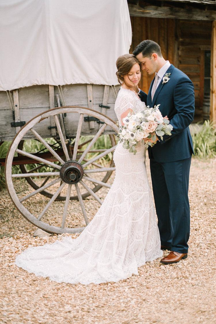 Rustic elegance wedding decor