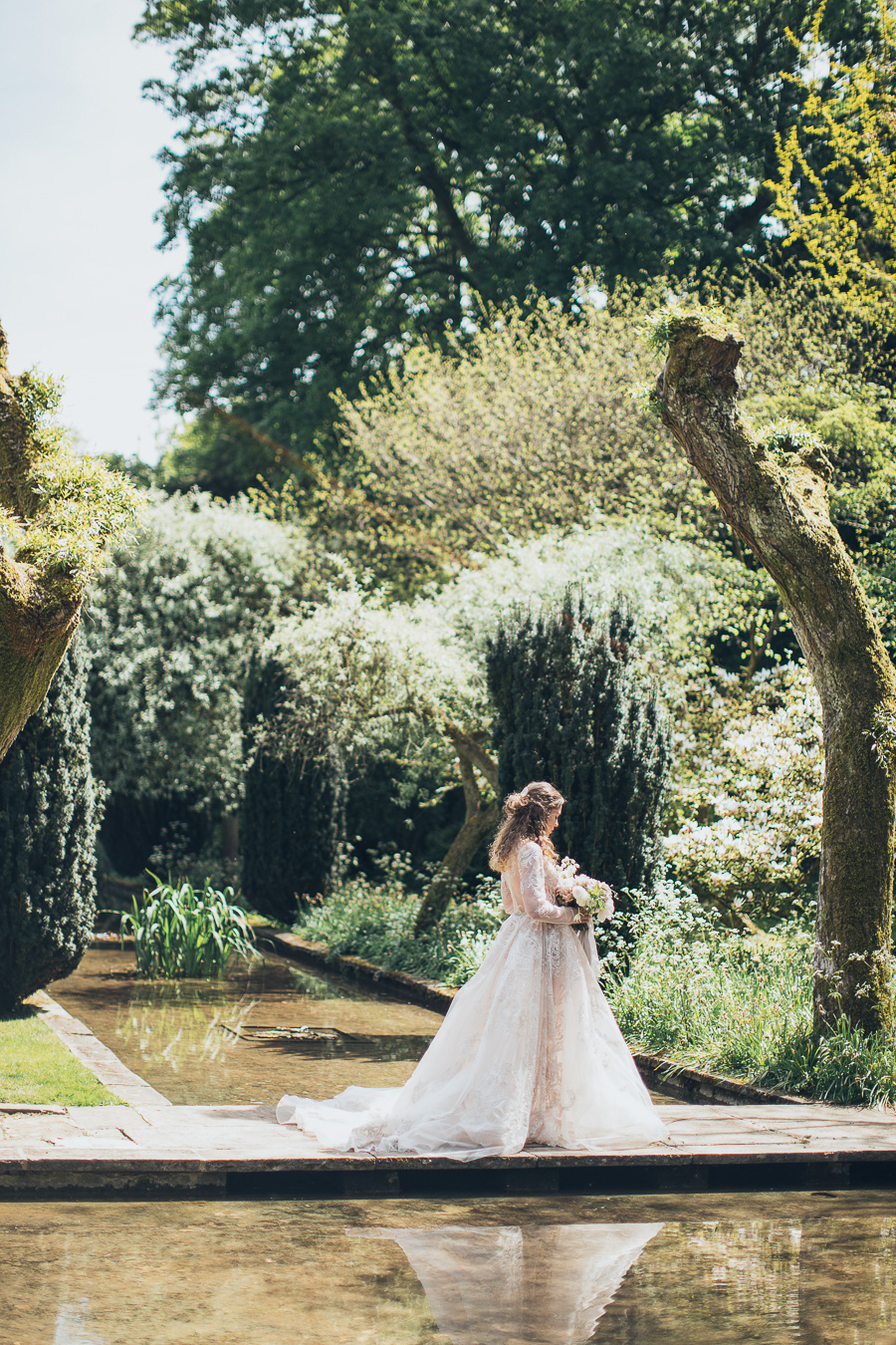 Plan an intimate Cotswolds wedding for two