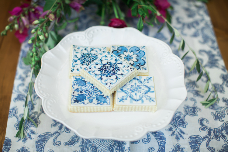 Spanish tile wedding cake