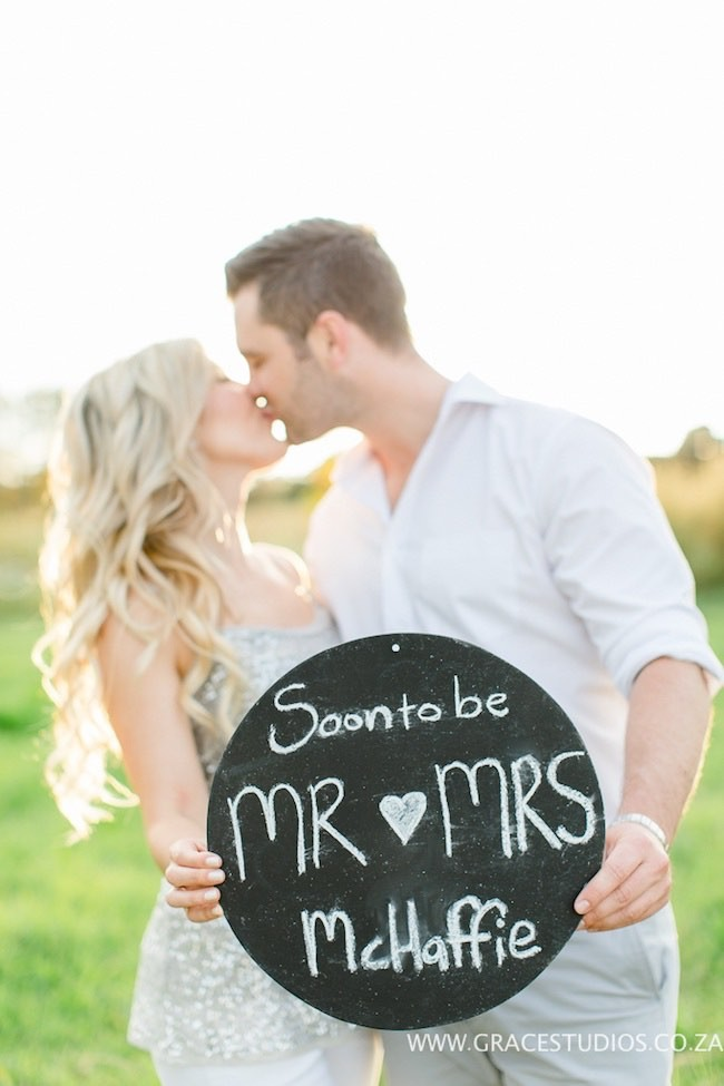 Engagement announcements on social media