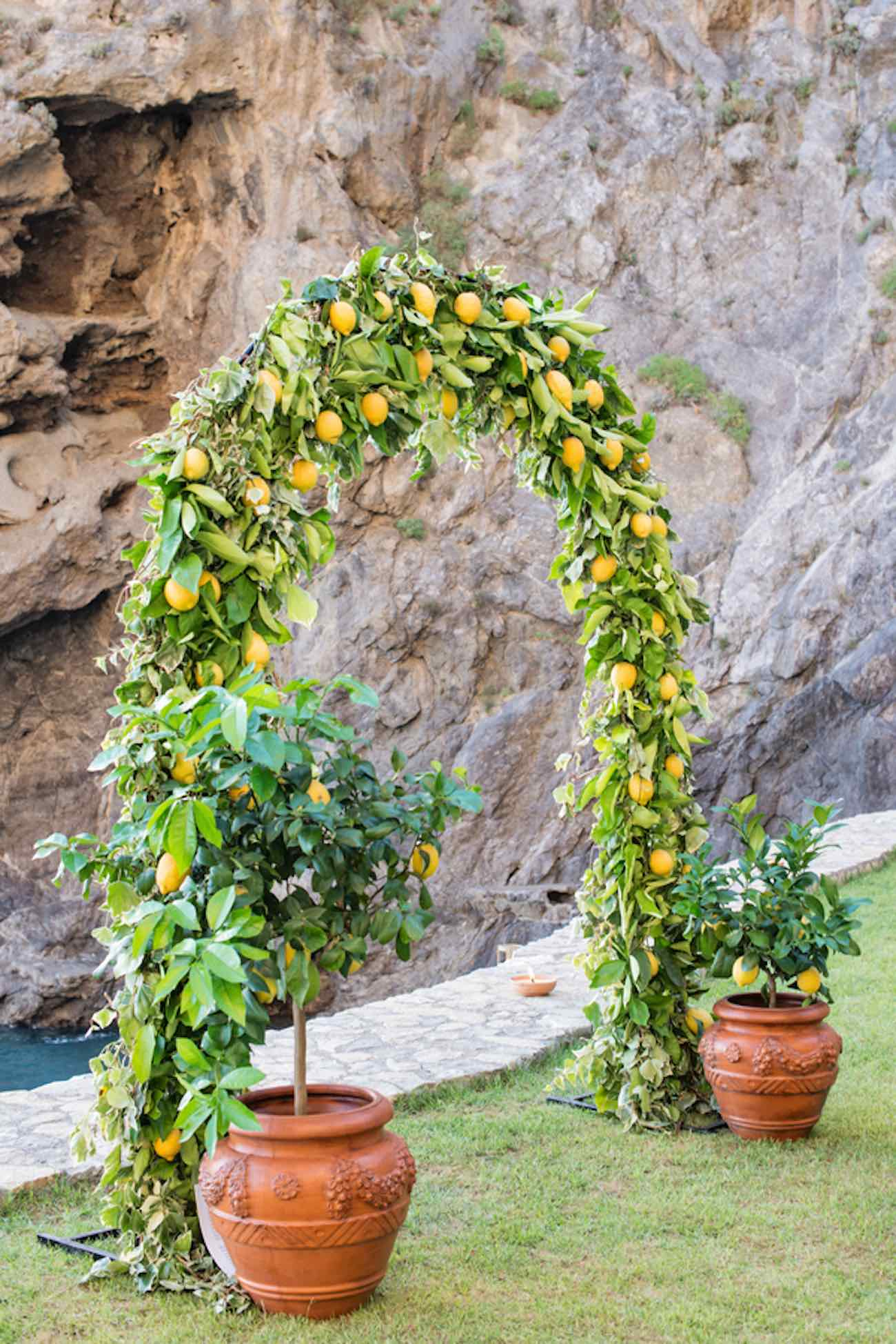 Amazing Wedding Arch Ideas 44