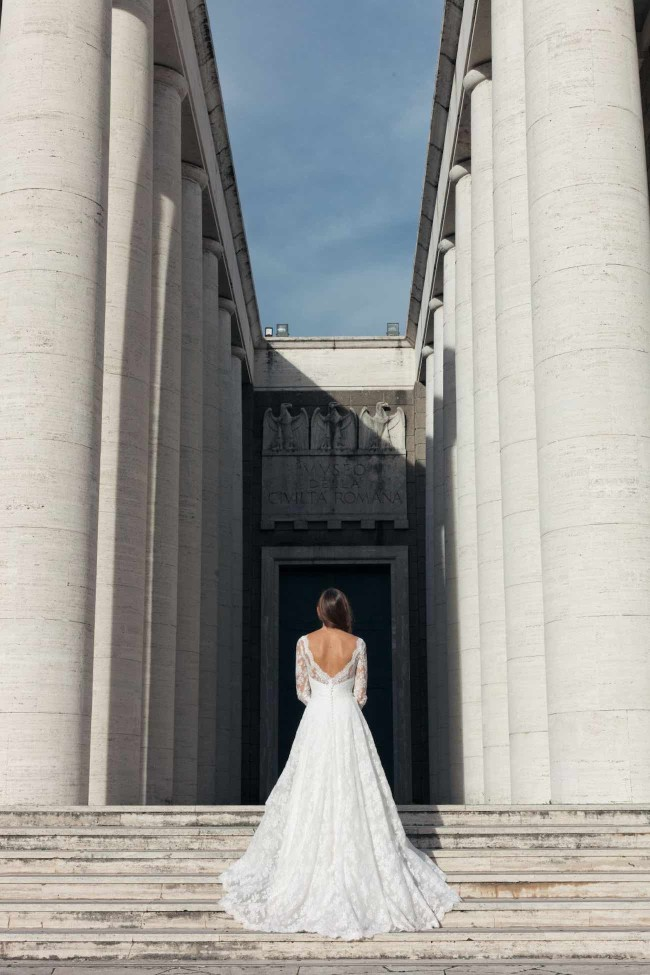 Marble & Romance in Rome, bridal shoot inspired by Caravaggio {Guido Caltabiano}