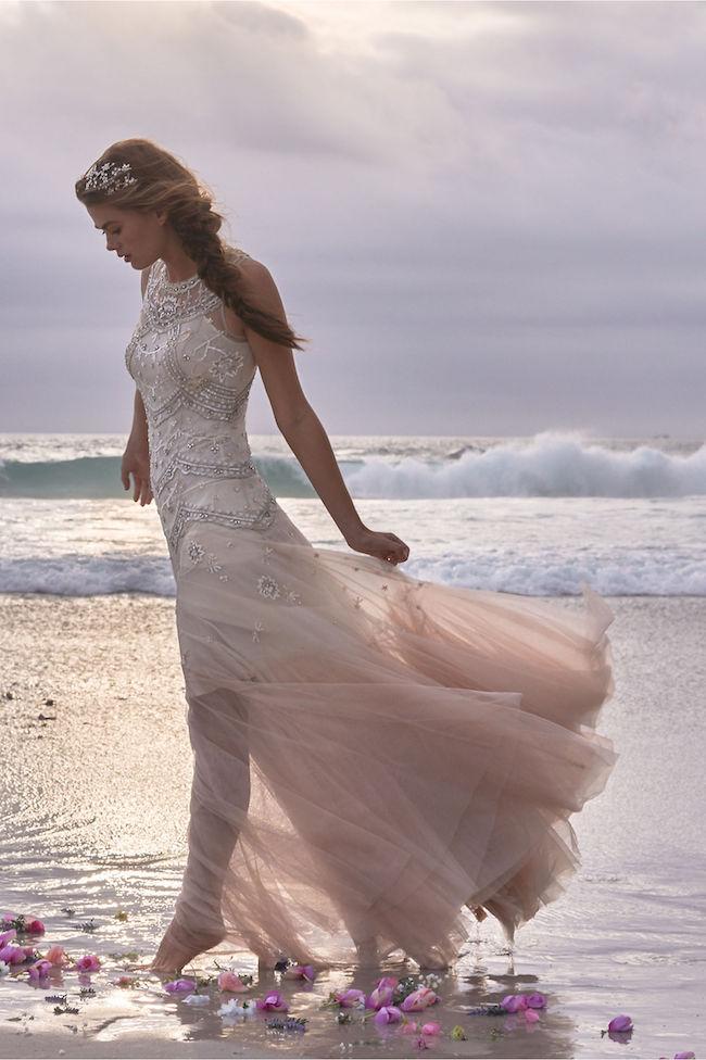 Oh my! 19 totally Exquisitely Romantic Bohemian Wedding Dresses!