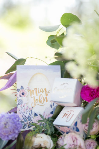 giant-floral-wedding-ceremony-wreath-15