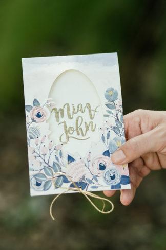 giant-floral-wedding-ceremony-wreath-18