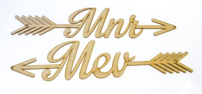 Meneer Mevrou Wedding Sign. See 20 more cute and creative ideas here: https://www.confettidaydreams.com/mr-and-mrs-signs/