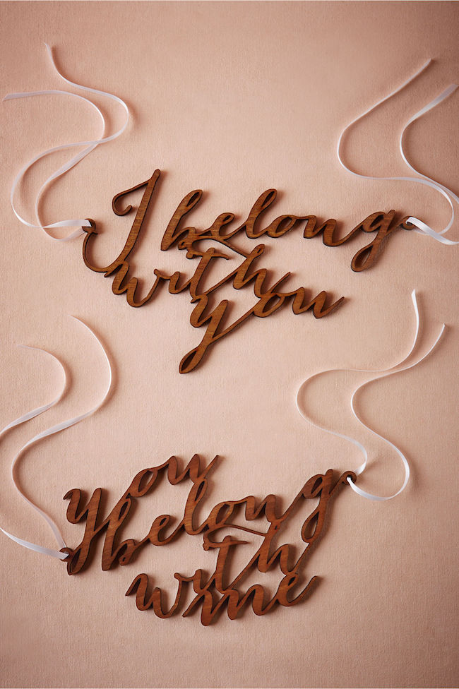 Mr and Mrs Signs: I belong with you and you belong with me. See 20 more cute and creative ideas here: https://www.confettidaydreams.com/mr-and-mrs-signs/