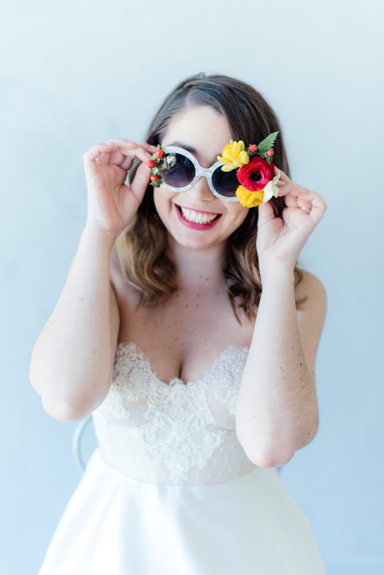 Fun tropical flower beach bridesmaid sunglasses idea. Click for the most absolutely gorgeous Tropical Wedding ideas ever!