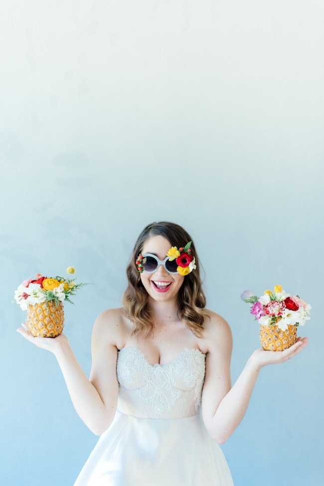 Pretty, tropical pineapples! Click for the most absolutely gorgeous Tropical Wedding ideas ever!